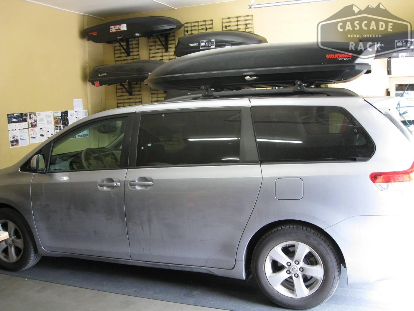 2017 Toyota Sienna Base Rack And Cargo Box Yakima